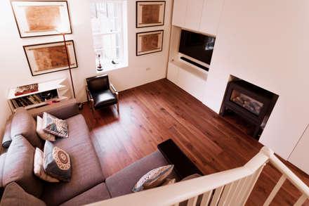 Extension & House Renovation SW18 - London: modern Living room by Diamond Constructions Ltd