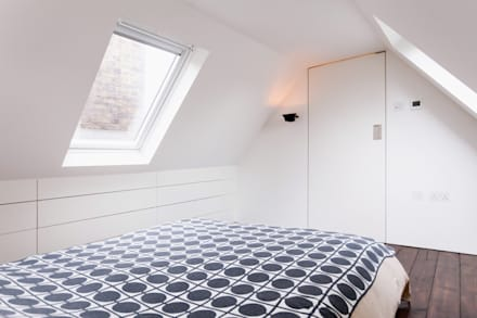 Extension & House Renovation SW18 - London: modern Bedroom by Diamond Constructions Ltd