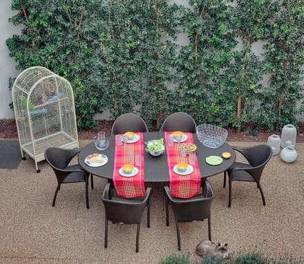 Vista geral jardim: Jardins modernos por B.loft