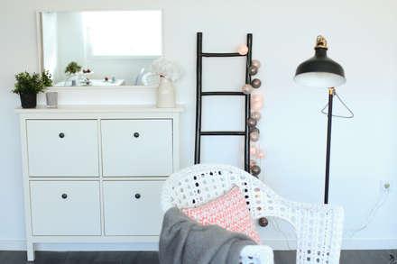 T0 estilo nórdico: Corredores, halls e escadas escandinavos por Perfect Home Interiors
