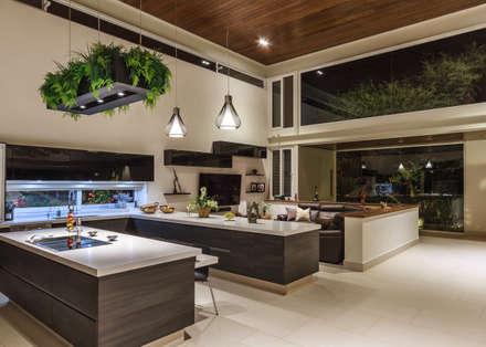 cocina cocinas de estilo moderno por loyola arquitectos - Decoracion Cocinas