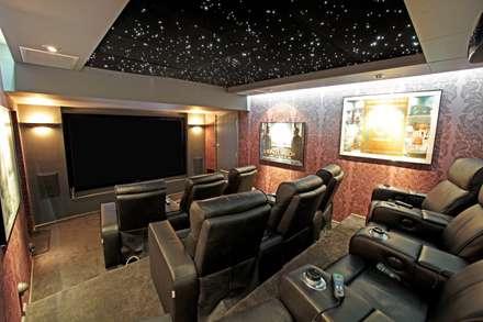 Underground Screening Room: classic Media room by HiFi Cinema Ltd.