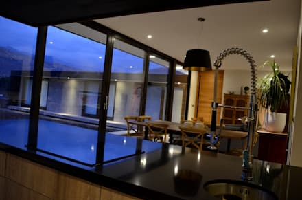 : Cocinas de estilo moderno por JPV Arquitecto