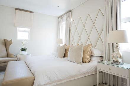 Guest Bedroom: modern Bedroom by Tru Interiors