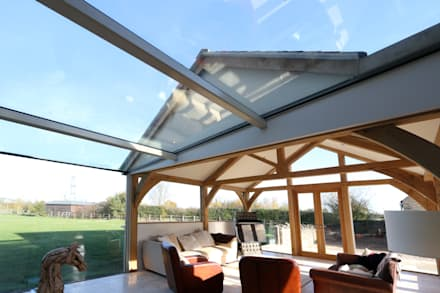 Green Barn: country Conservatory by IQ Glass UK