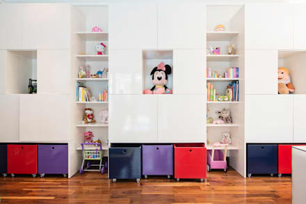 Playroom: country Nursery/kid's room by Tru Interiors