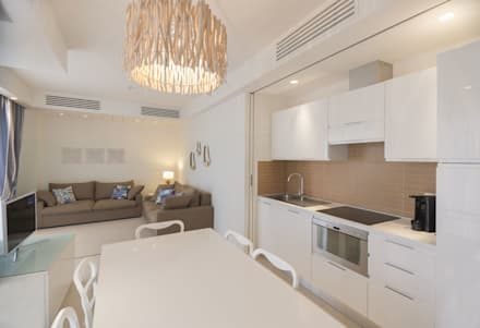 """Residence """"La Darsena"""" Riccione: Cucina in stile in stile Moderno di Polistudio A.E.S."""
