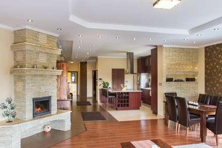 Interior photos - Ecser - HUN: classic Living room by Tamas Bata Photography