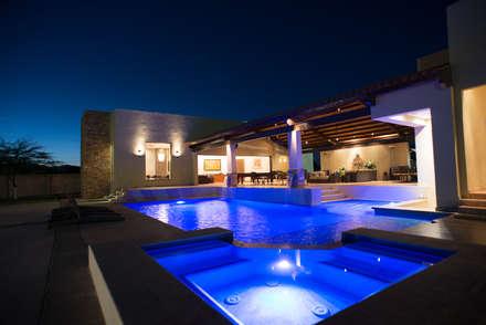 TAMEN arquitectura의  수영장