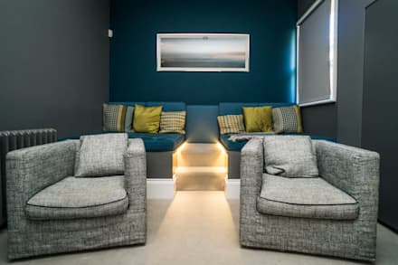 RYDENS ROAD: classic Media room by Concept Eight Architects