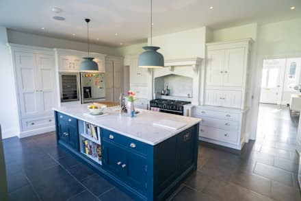 RYDENS ROAD: classic Kitchen by Concept Eight Architects