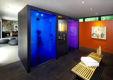 Pool House: modern Bathroom by +tongtong