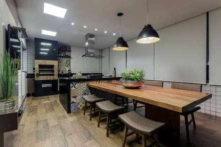 Sala de Jantar - Gourmet: Salas de jantar rústicas por Aleggra Design & Arquitetura - Janaina Naves