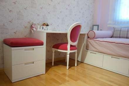 Dormitorio de niña a adolescente: Dormitorios infantiles de estilo clásico de Noelia Villalba