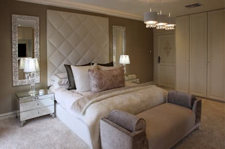 Guest Bedroom : classic Living room by Tru Interiors