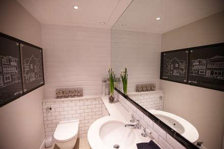 Baños de estilo colonial por Kim H Interior Design