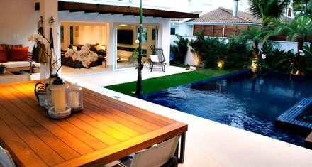 minimalistic Pool by RAWI Arquitetura + Interiores