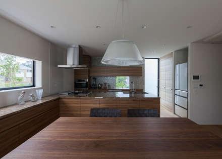 岩崎の家: Architet6建築事務所が手掛けたキッチンです。