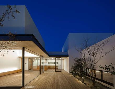 神沢の家: Architet6建築事務所が手掛けた庭です。