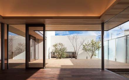 神沢の家: Architet6建築事務所が手掛けたリビングです。