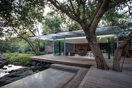 Kromdraai House - Cradle of Humankind, Maropeng: minimalistic Houses by Karel Keuler Architects