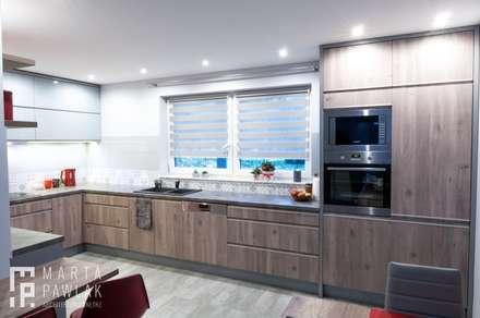 Dom Ustroń: styl , w kategorii Kuchnia zaprojektowany przez MARTA PAWLAK  ARCHITEKTURA  WNĘTRZ