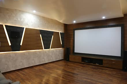 Home Theatre: Modern Media Room By Hasta Architects