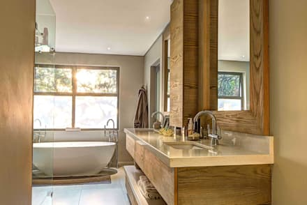 House Auriga: modern Bathroom by Swart & Associates Architects
