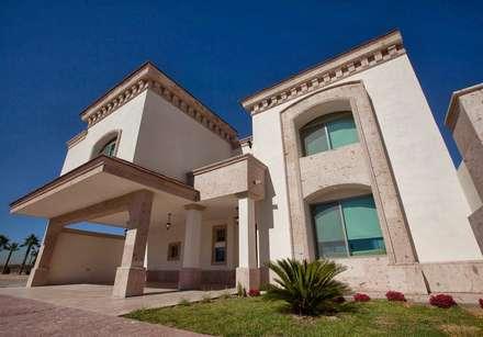 บ้านและที่อยู่อาศัย by Canteras Villa Miranda
