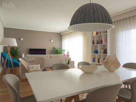 Sala | Depois: Salas de jantar modernas por MUDA Home Design