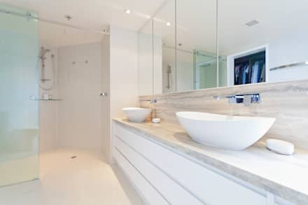 Clean, Modern White: minimalistic Bathroom by Gracious Luxury Interiors