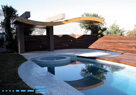 Preller Clifton: modern Pool by DV8 Architects