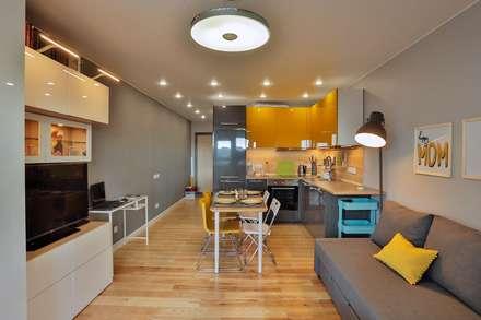 Солнечная квартира-студия в ЖК Бумеранг: Гостиная в . Автор – Студия дизайна Дмитрия Артемьева 'Prosto Design'