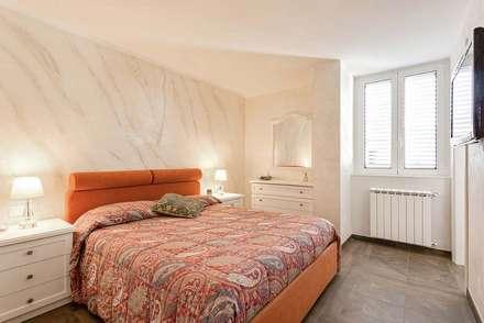 camera da letto: idee, immagini e decorazione   homify - Neutri Sala Da Pranzo Idee Decorazione Della Parete Con Carta Da Parati Nero