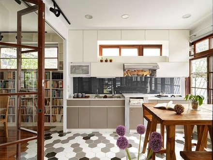 有涯齋:  廚房 by 築築空間
