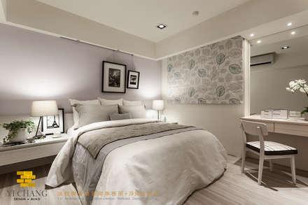 主臥:  臥室 by 垼程建築師事務所/浮見月設計工程有限公司