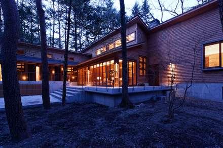 TE計画 ~K3建築研究所~: 株式会社山崎屋木工製作所 Curationer事業部が手掛けた家です。