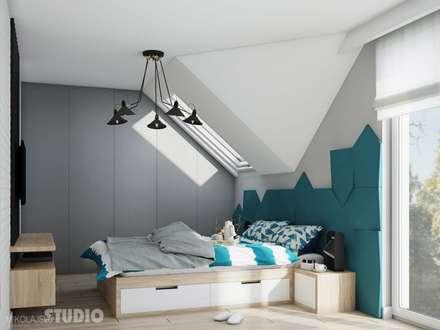 Modernes Schlafzimmer mit Akzenten in Türkis: industriale Schlafzimmer von MIKOLAJSKAstudio