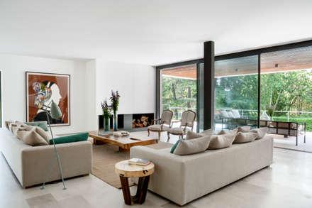 moderne Wohnzimmer von ABATON