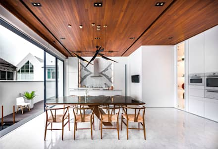 Courtyard House: modern Kitchen by ming architects
