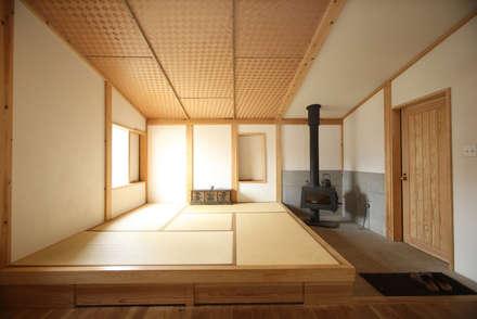 和室: すわ製作所が手掛けたリビングです。