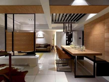 簡單溫暖的幸福:  商業空間 by 伏見設計事業有限公司