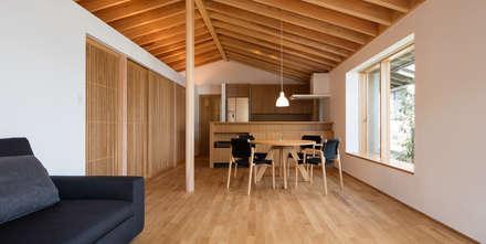 鞘ヶ谷の家: 柳瀬真澄建築設計工房 Masumi Yanase Architect Officeが手掛けたダイニングです。
