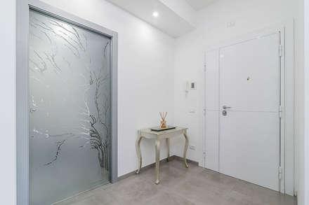 Ingresso: Ingresso & Corridoio in stile  di Facile Ristrutturare