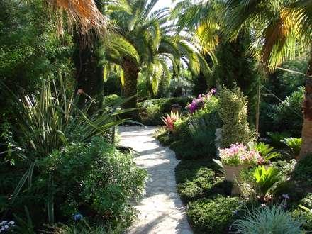 La Arboleda, Jávea : Jardines de estilo mediterráneo de Chiarri arquitectura