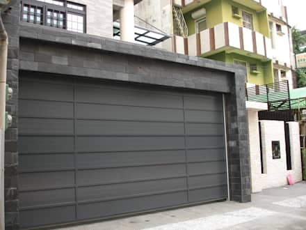 modern Garage/shed by 勝暉建築工程行