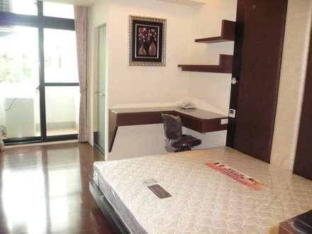 modern Bedroom by 勝暉建築工程行