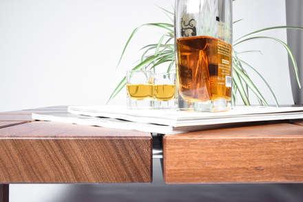Tavolino da Caffè Basso in Legno Massello di Iroko /Coffee table / Mid century coffee table solid wood /: Sala da pranzo in stile in stile Scandinavo di Ebanisteria Cavallaro