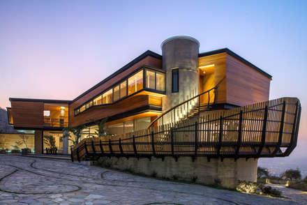 Casa Chamisero: Casas de estilo moderno por GITC