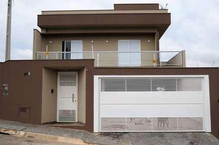 Sobradinho linhas retas : Casas modernas por Barbara Oriani Arquiteta